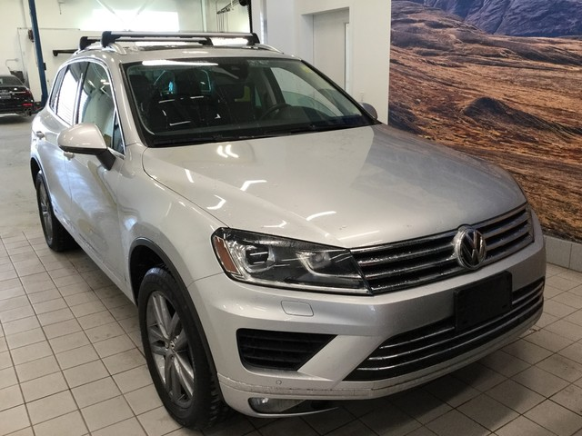 Pre-Owned 2016 Volkswagen Touareg Execline
