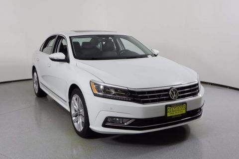 New 2017 Volkswagen Passat 1.8T SE with Technology